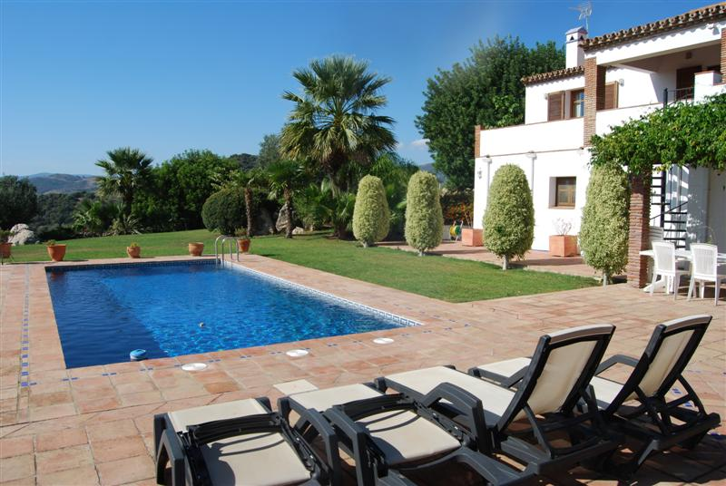 85f1b0d7bc Large country property for sale with stables in Casares