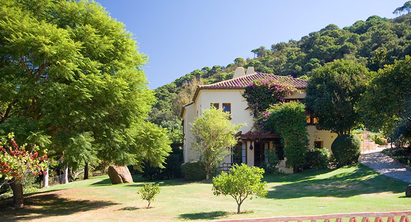 Idyllic spanish country house for sale for Spanish country houses