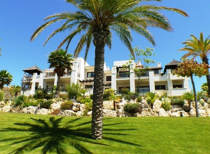 Apartments for sale in El Paraiso, Estepona