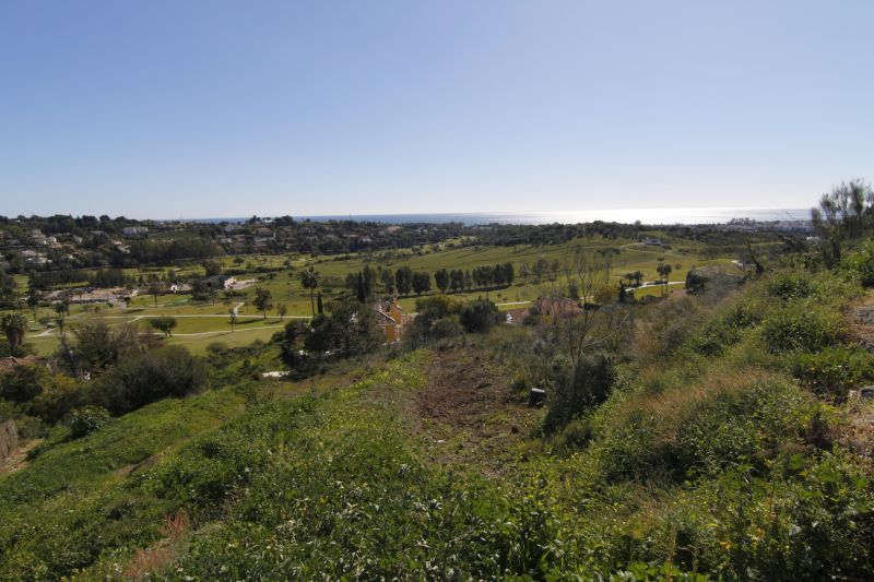 Plots for sale in El Paraiso, Estepona